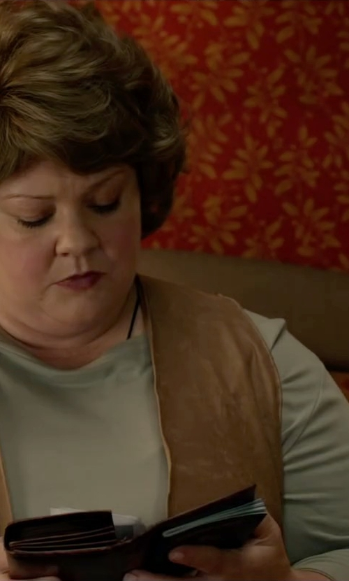 Melissa McCarthy with Fossil Sydney Zip Clutch Wallet in Spy