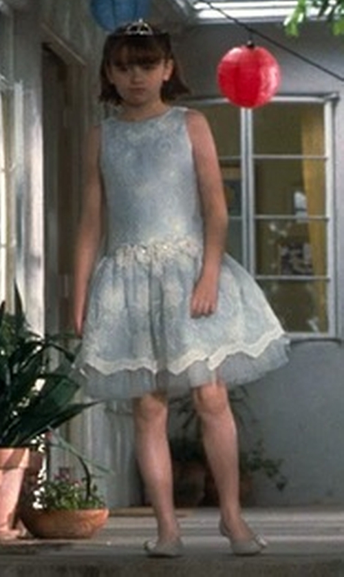 Joey King with Pippa & Julie  Printed Lace Dress in Crazy, Stupid, Love.