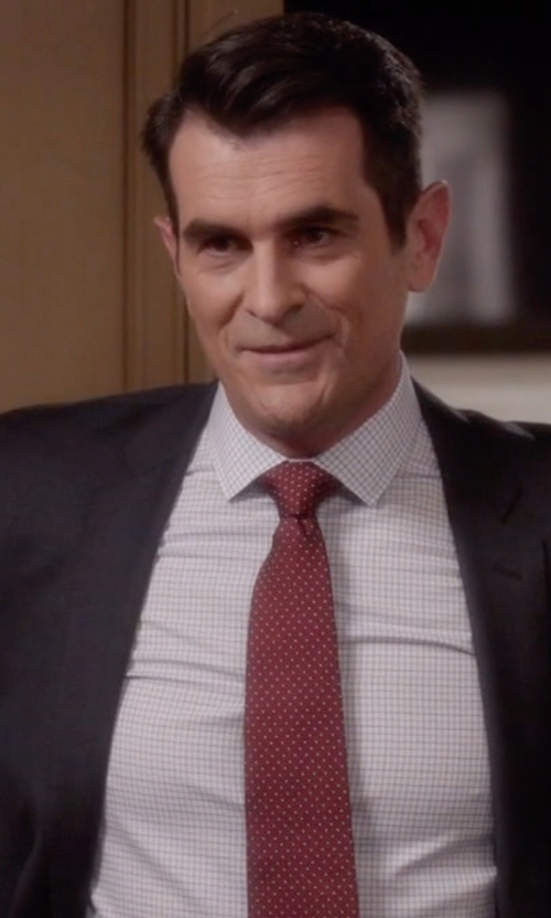 Ty Burrell with Apt. 9 Columbus Circle Dot Skinny Tie & Tie Bar in Modern Family