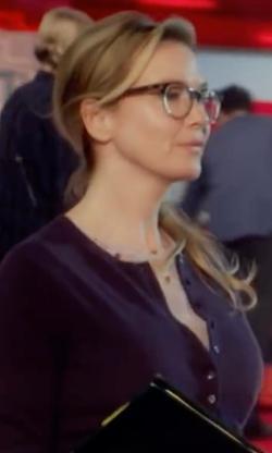 Renée Zellweger with Oliver Peoples O'Malley Round Optical Frames Eyeglass in Bridget Jones's Baby
