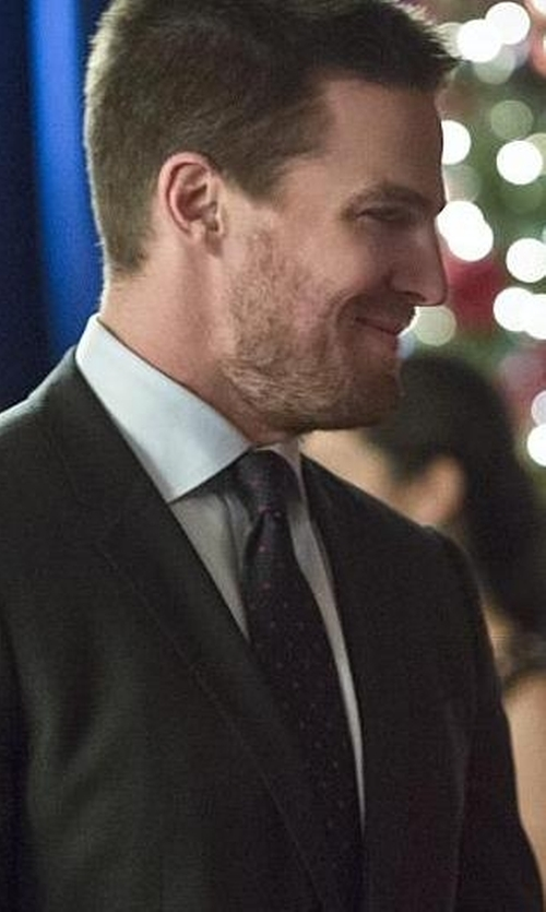 Stephen Amell with Saint Laurent Polka Dot Neck Tie in Arrow