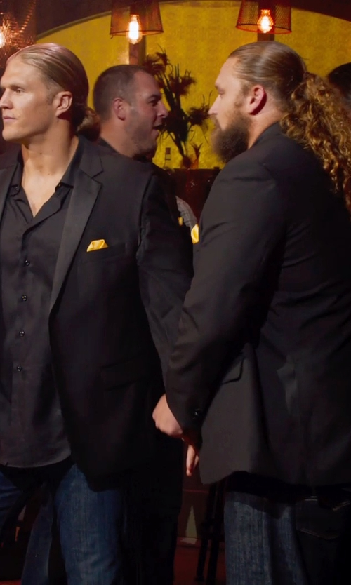 Don Barclay with Saks Fifth Avenue Collection Silk Solid Pocket Square in Pitch Perfect 2