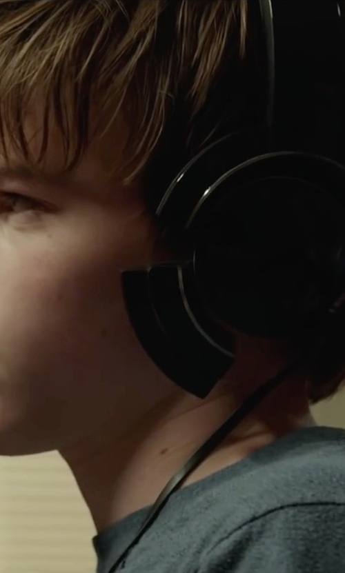 Josh Wiggins with Razer Surround Sound USB Over Ear Gaming Headset in Max
