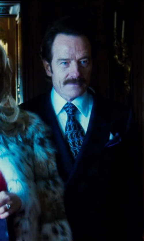 Bryan Cranston with Ike By Ike Behar Silk Circle Neat Tie in The Infiltrator