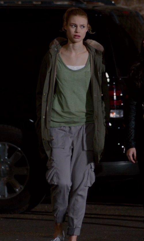 Lucy Fry with AERONAUTICA MILITARE Casual pants in Vampire Academy