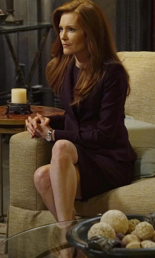 Darby Stanchfield with Burberry Polished Check Sunray Watch in Scandal
