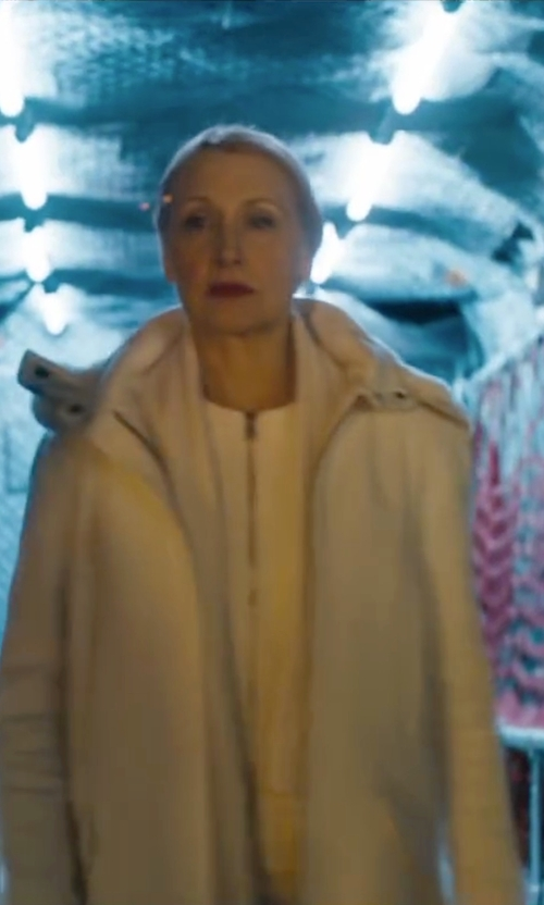 Patricia Clarkson with Uniqlo Military Parka Jacket in Maze Runner: The Scorch Trials