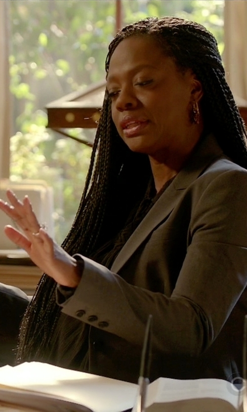 Viola Davis with Max Mara Studio Single Breasted Blazer in How To Get Away With Murder