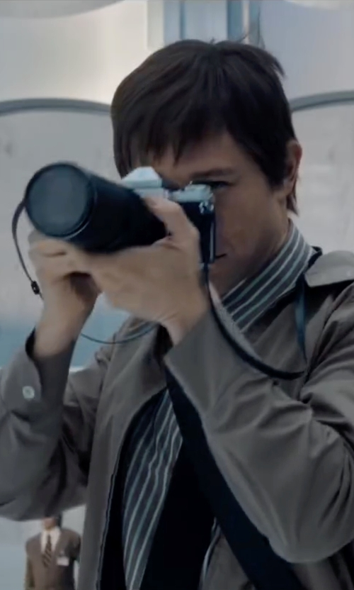 Joseph Gordon-Levitt with Pentax K1000 Camera in The Walk