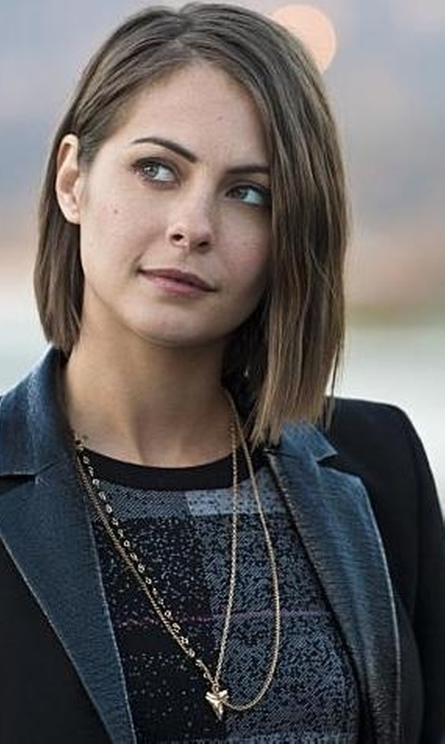 Willa Holland with Heather Hawkins Double Layer Shark Tooth Necklace in Arrow