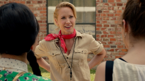 Anna Camp with Ralph Lauren Boyfriend Cotton Shirt in Pitch Perfect 2