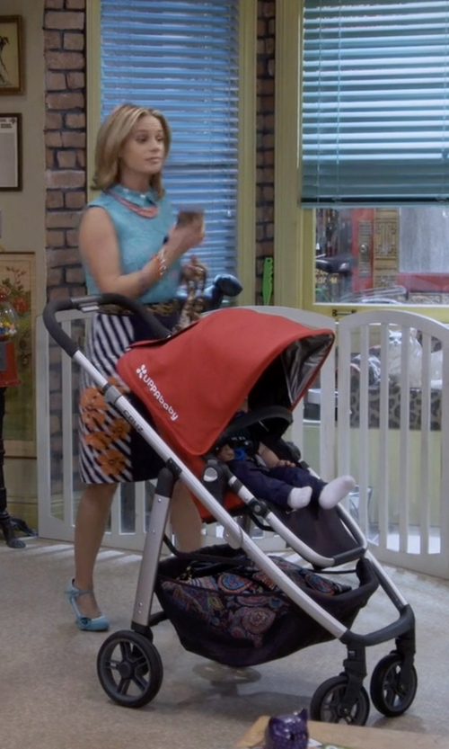 Jodie Sweetin with UPPAbaby Denny Cruz Stroller in Fuller House