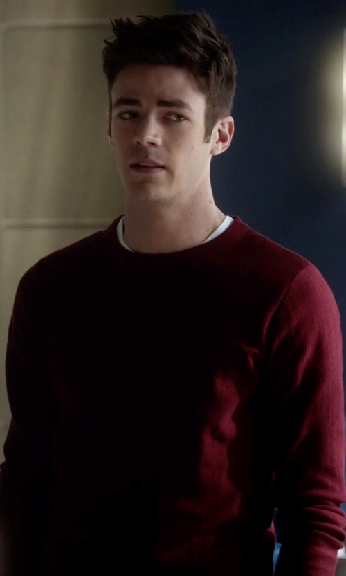 Grant Gustin with Farah Long Sleeve T-Shirt in The Flash