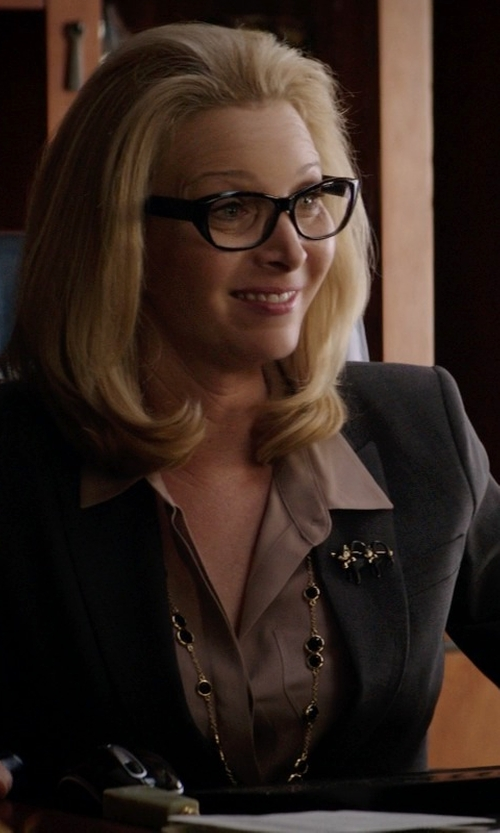"Lisa Kudrow with Kate Spade New York ""Crystal Confetti"" Jet Long Necklace in Neighbors"
