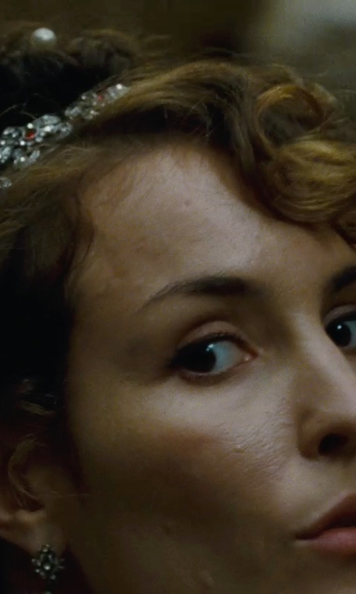 Noomi Rapace with Deepa Gurnani Crystal Floral Headband in Sherlock Holmes: A Game of Shadows