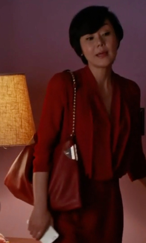 Yunjin Kim with Tory Burch Thea Center-Zip Tote Bag in Mistresses