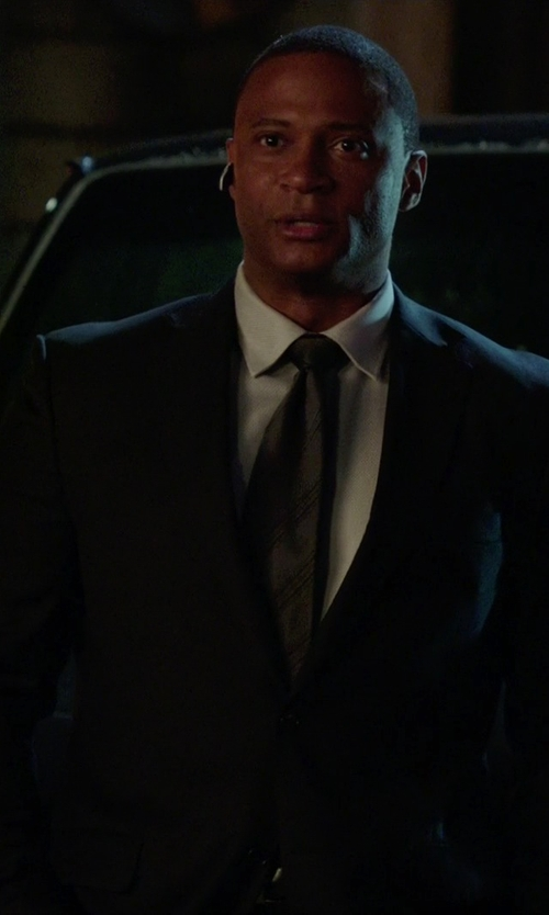 David Ramsey with Armani Collezioni Two Button Notch Lapel Suit in Arrow