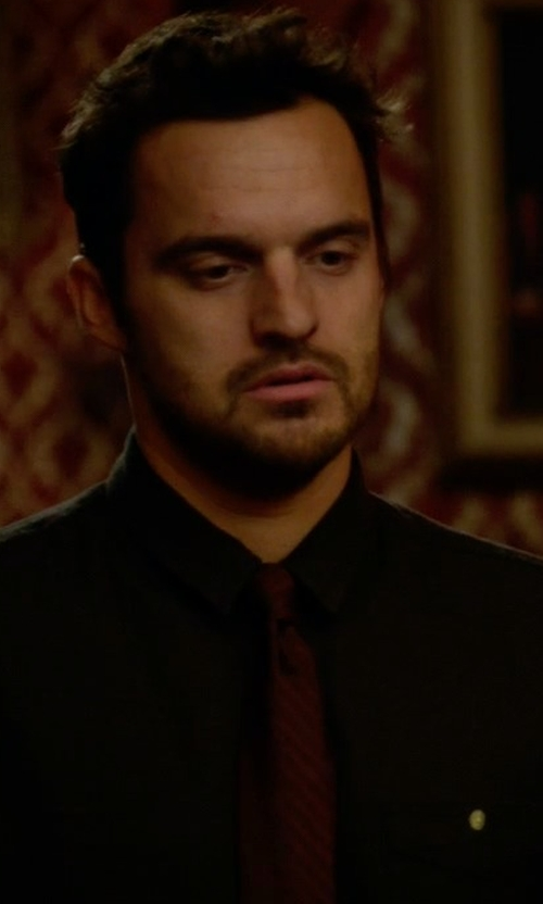 Jake Johnson with Boss Silk Textured Diagonal Stripe Tie in New Girl