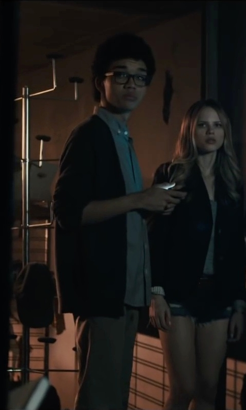 Justice Smith with Perry Ellis Solid Button Front Cardigan in Paper Towns