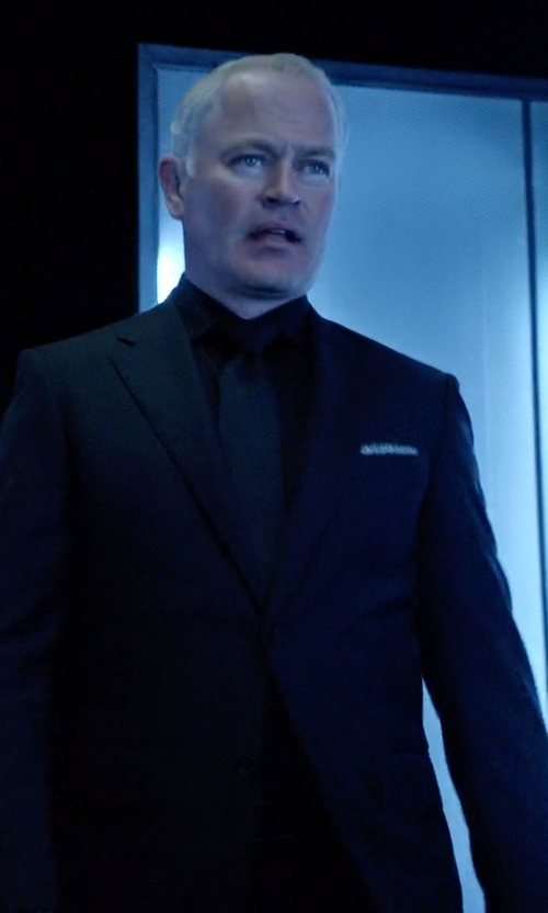 Neal McDonough with John Varvatos Jake Super Fine Stripe Suit in Arrow