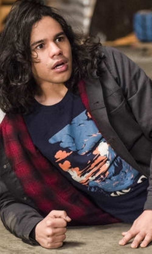 Carlos Valdes with Threadless Visit Mordor T-Shirt in The Flash