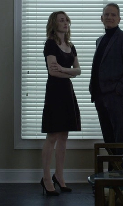 Dominique McElligott with Manolo Blahnik BB Suede Point-Toe Pumps in House of Cards