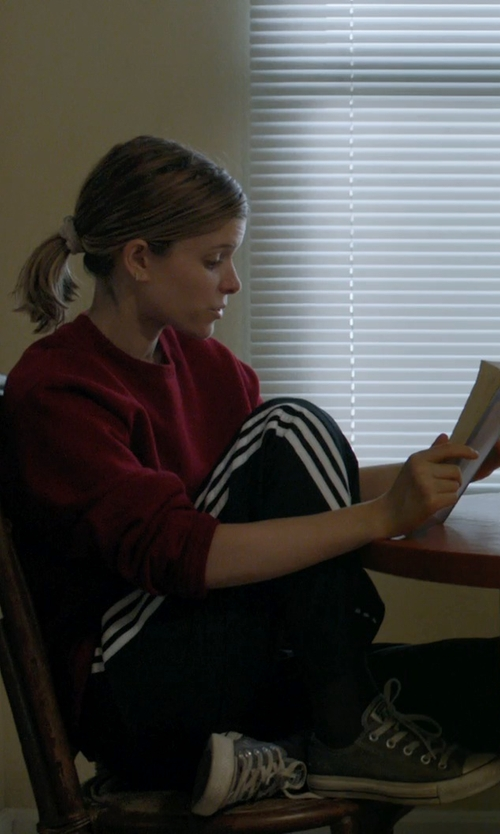 Kate Mara with Converse Chuck Taylor All Star Low-Top Sneakers in Captive