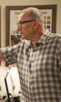 Modern Family - Season 7 Episode 22 - Double Click