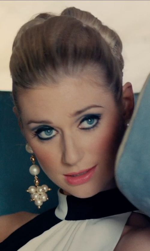 Elizabeth Debicki with Ben-Amun Gold-Tone And Faux-Pearl Cluster Earrings in The Man from U.N.C.L.E.