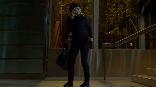 Kristen Bell with Lululemon Take Ten Hoodie  in The Boss