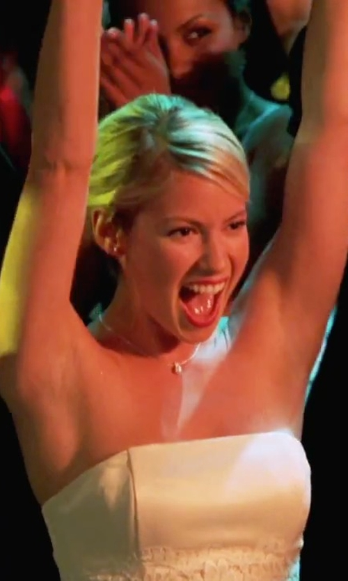 Laura Ramsey with Dogeared Sisters Heart Pendant Necklace in She's The Man