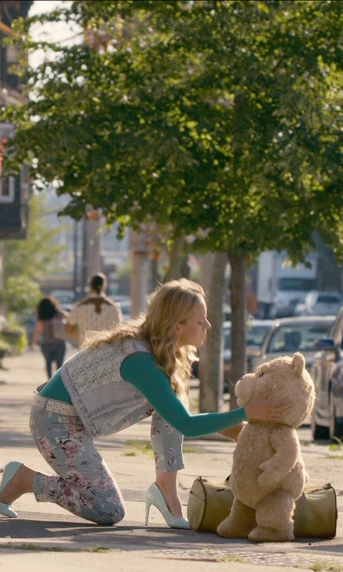 Jessica Barth with Icelandic Design Lucy Long Sleeve Shirt in Ted 2
