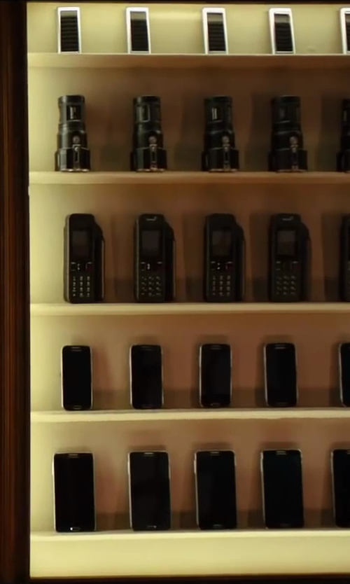 Colin Firth with Galaxy S5 Smartphone in Kingsman: The Secret Service