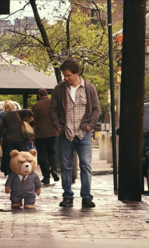 Mark Wahlberg with Dan Ward Fitted T-Shirt in Ted