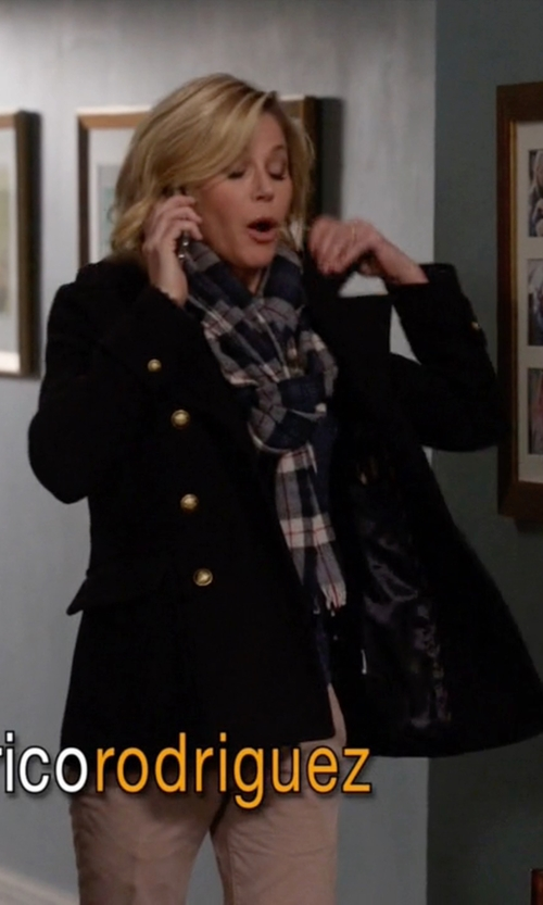 Julie Bowen with Kristen Blake Double-Breasted Wool Coat in Modern Family