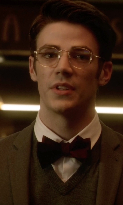 Grant Gustin with Forzieri Solid Silk Pre-Tied Bowtie in The Flash