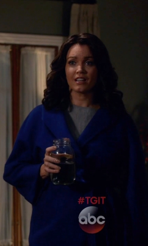 Bellamy Young with Max Mara Lilia Cashmere Wrap Coat in Scandal