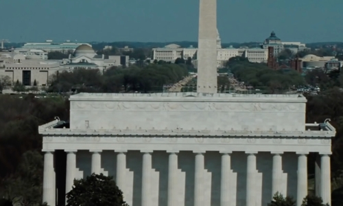 Unknown Actor with Lincoln Memorial Washington, D.C in Mission: Impossible - Ghost Protocol