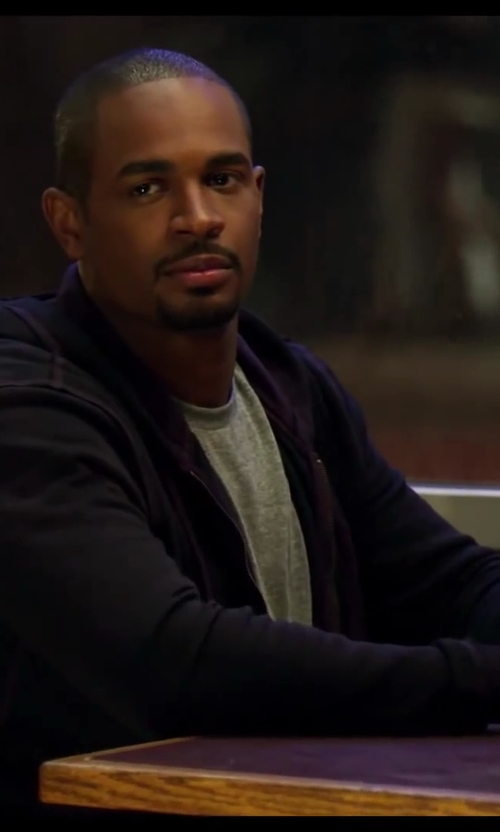 Damon Wayans Jr. with U.S. Polo Assn Hoodie with Nubby Polar Fleece Lining in Let's Be Cops