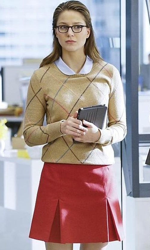 Melissa Benoist with Tommy Hilfiger Multicolor Argyle Sweater in Supergirl
