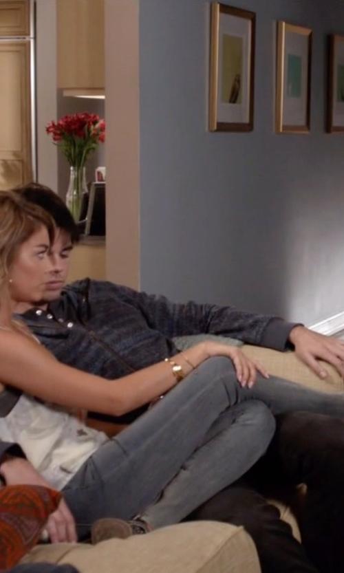 Sarah Hyland with Bella Vita Kiki Strap Ankle Boots in Modern Family