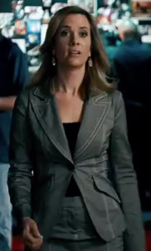 Kristen Wiig with I Blues Single Breasted Blazer in Knocked Up