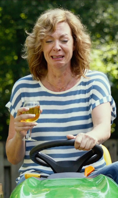 Allison Janney with 8 Round Collar Short Sleeve T-Shirt in The DUFF
