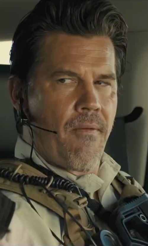 Josh Brolin with J. Crew Button-Down Collar Cotton Oxford Shirt in Sicario