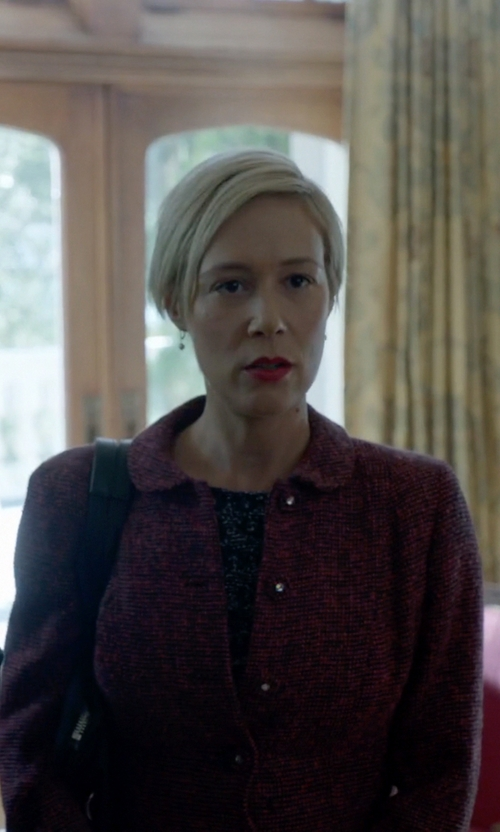 Liza Weil with Comme Des Garçons Vintage Quilted Coat in How To Get Away With Murder