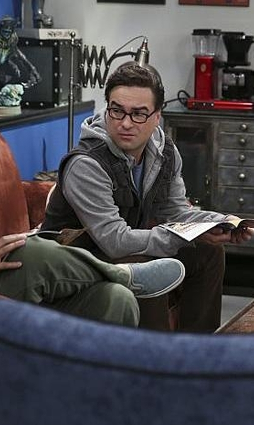 Johnny Galecki with Aspesi  Pocket Vest in The Big Bang Theory
