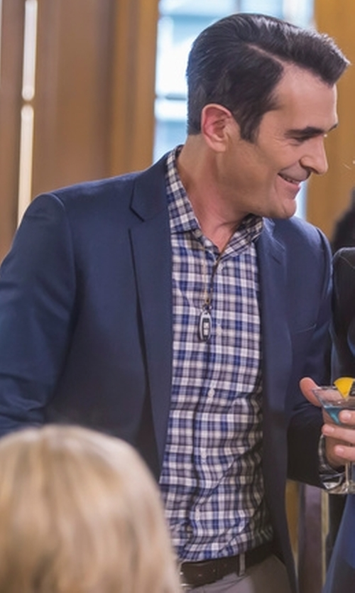Ty Burrell with Ledbury 'Grove' Gingham Dress Shirt in Modern Family
