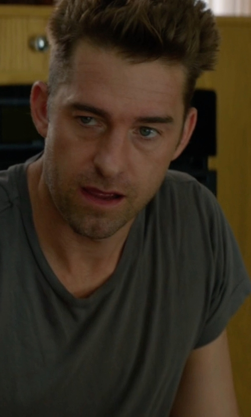 Scott Speedman with John Elliott Washed Mercer Tee in Animal Kingdom
