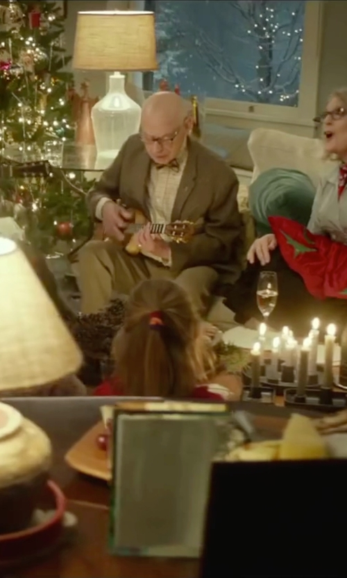 Alan Arkin with Luna Mahogany Series Tattoo Concert Ukulele in Love the Coopers