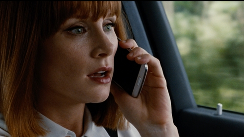 Bryce Dallas Howard with Samsung Galaxy S6 Smartphone in Jurassic World